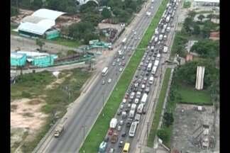 Motoristas de transportes alternativos de vários municípios do Pará protestaram - Eles pedem aprovação do projeto de lei que regulamenta a atividade da categoria.