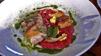 Risoto de beterraba - Na Hora do Rancho, receita de risoto de beterraba acompanhada de peixe.