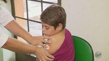 Dia D de vacinação contra o vírus influenza começa com filas no Sul de Minas - Dia D de vacinação contra o vírus influenza começa com filas no Sul de Minas