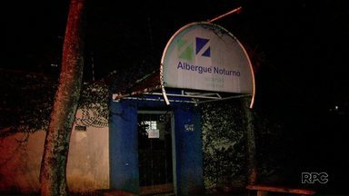 Albergue Noturno fecha novamente as portas - Muita gente está dormindo nas ruas nesse frio