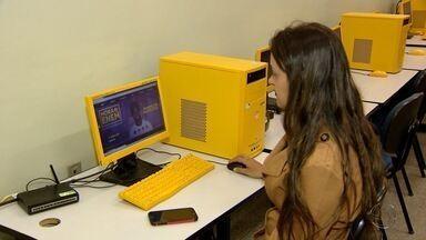 Alunos do Ensino Médio fazem simulado on line do Enem neste sábado gelado - Prova serviu para testar conhecimentos dos estudantes que farão a prova no fim de 2016.
