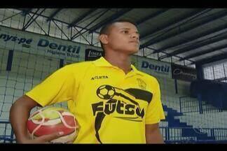 Pivô do Praia Clube é convocado para seleção brasileira de futsal sub-17 - Jean Gomes vai defender o Brasil no Sul-americano da categoria, em maio, em Foz do Iguaçu, no Paraná.