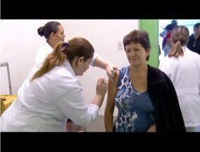 Dia de D de combate a gripe registra filas em postos de Nova Friburgo, no RJ - Não houve falta de doses.