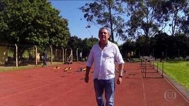 Símbolo de um escândalo de doping, treinador Jayme Neto volta ao atletismo após punição - Treinador ficou sete anos banido do atletismo após envolvimento em caso de doping e ter construído carreira brilhante como inovador de métodos de treinamento