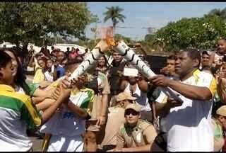 Passagem da Tocha Olímpica reúne milhares de norte-mineiros - Símbolo das Olimpíadas 2016 já passou por Pirapora e Montes Claros.