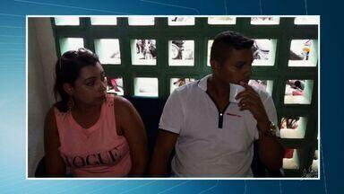 Casal é preso por comprar dinheiro falso por meio de aplicativo do celular - Eles foram presos com R$ 200.