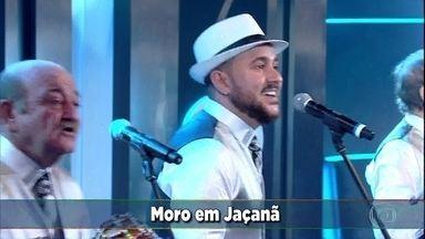 'Êta Mundo Bom' pontua com a canção 'Trem das Onze' - O grupo 'Dêmonios da Garoa' canta também 'Saudosa Maloca'