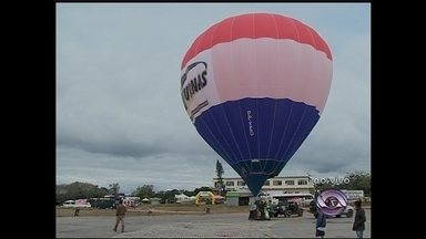 Demonstração: Balão pronto para voar! - A repórter Gabriela Fogliarini conversou com o balonista.