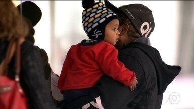 Ainda falta vacina de gripe em muitos postos de saúde do estado - Campanha de vacinação contra a gripe, que terminaria nesta sexta (20), foi prorrogada no estado inteiro, agora vai até o fim do mês. O governo comprou quase 2 milhões de doses extras para mandar para as cidades que ainda não atingiram a meta de vacinação.