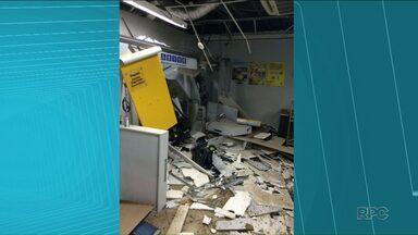 Bandidos explodem caixa eletrônico do Banco do Brasil em Ortigueira - O ataque foi de madrugada e a quadrilha levou dinheiro dos caixas e do cofre do banco.