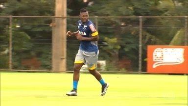 Riascos é reintegrado ao elenco cruzeirense - O jogador Riascos voltou à Toca Da Raposa, mas seus agentes ainda tentam renovar seu contrato com o Vasco