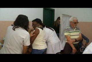 Postos de Petrópolis, RJ, têm filas no último dia de vacinação contra a gripe - Balanço final deve ser divulgado na segunda-feira (21).