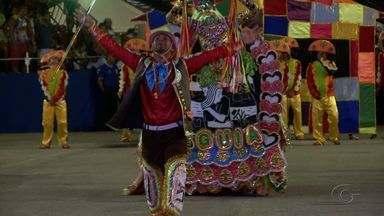Festival Bumba Meu Boi leva milhares ao estacionamento de Jaraguá - 24ª edição terá apresentação de 22 grupos até o domingo (22). Público compareceu em massa ao primeiro dia do evento.