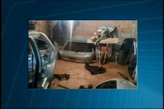 Corpo é encontrado debaixo de carro em São Gonçalo do Pará - Sem indício de crime, peritos acreditam que carro caiu sobre vítima. Homem estava desaparecido desde quinta-feira (19) e mulher encontrou.
