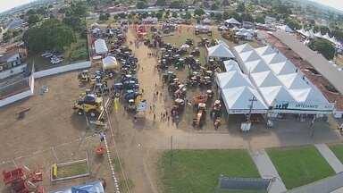 Ji-Paraná se prepara para o Rondônia Rural Show - Ji-Paraná se prepara para o Rondônia Rural Show. O evento começa na próxima quarta-feira (25) e neste sábado (21) foi divulgava a programação do evento.