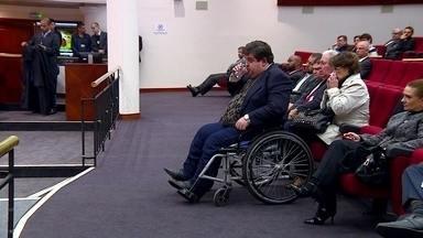 Advogado cadeirante entra na Justiça após juiz não descer para audiência - Juiz se recusou a descer do 1º andar para sala do térreo e cliente participou sozinho da audiência. Tribunal considerou que atitude prejudicou o processo.