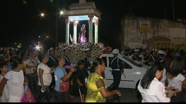 Procissão marca celebrações pelo dia de Santa Rita na Paraíba - Centenas de fiéis participaram de procissão em homenagem à padroeira das causas impossíveis.