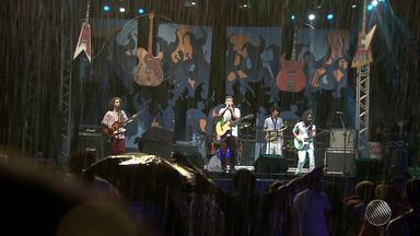 Festival de Música Universitária premia jovens talentos em Salvador - Confira os vencedores.