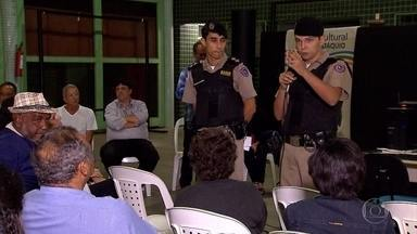 Moradores do bairro Padre Eustáquio, em BH, fazem reunião com a PM para pedir segurança - A criminalidade aumentou no local, na Região Noroeste da capital.