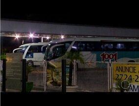 Movimentação na rodoviária de Campos é intensa nas vésperas do feriado de Corpus Christi - Expectativa é que 4 mil pessoas deixem a cidade por ônibus.