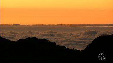 Parque Nacional do Itatiaia, RJ, registra -1ºC na madrugada desta quarta-feira (25) - O repórter Diego Gavazzi esteve na parte alta do parque para sentir como estava o clima por lá.