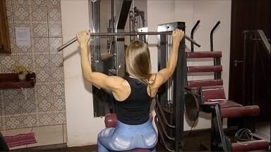 Conheça fisiculturista de Rio Brilhante, MS, que se prepara para competição nacional - A categoria dela é mais suave, digamos assim, não exige tantos músculos. Ela conta com o apoio da torcida e do namorado.