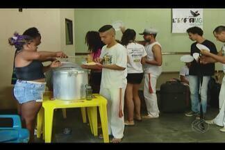 """Atividades culturais marcam Corpus Christi em Araguari - Evento """"Volta ao Mundo - Desafios e Vivências"""" foi realizado neste sábado (26) na cidade. Oficinas de dança e de percussão foram apresentadas."""