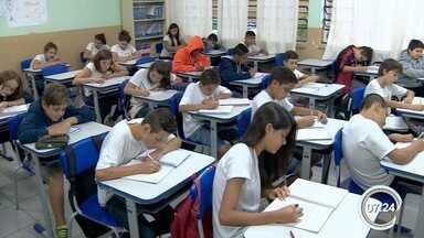 Escolas de Bragança Paulista e Atibaia estimulam alunos a escreverem cartas - Eles trocam as cartas e melhoram a escrita.