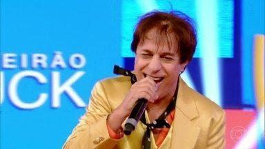 Tom Cavalcante interpreta João Canabrava e Canta com Ana Carolina e Seu Jorge - Com muito talento e alegria Tom anima todos no palco do 'Caldeirão'