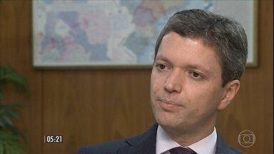 Fabiano Silveira não é mais ministro da Transparência - Depois de pressões de parlamentares, de funcionários e de chefes regionais do ministério, ele entregou a carta de demissão ao presidente em exercício Michel Temer,
