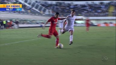 Esporte: técnico Argel aposta nos meias de criação para o Inter - Assista ao vídeo.