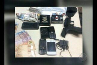 Agente é detido com arma, drogas e celulares em unidade prisional de Belém - Funcionário foi preso em flagrante na madrugada desta terça-feira (31). Material seria repassado a detentos, segundo a polícia.