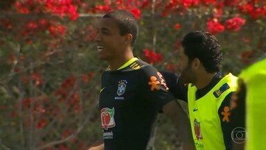 Direto dos EUA: Eric Faria comenta os cortes na Seleção Brasileira - Direto dos EUA: Eric Faria comenta os cortes na Seleção Brasileira