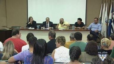 Comissão Especial de Vereadores discute problemas relacionados com Cartão Servidor Cidadão - O cartão foi uma forma que a prefeitura de Cubatão, SP, encontrou para ajudar o funcionário público e estimular o comércio da cidade.