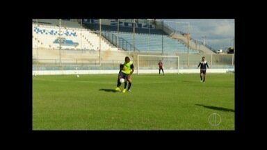 Macaé faz último treino antes da viagem para Minas Gerais para partida contra Tombense - Jogo é no próximo sábado (4).