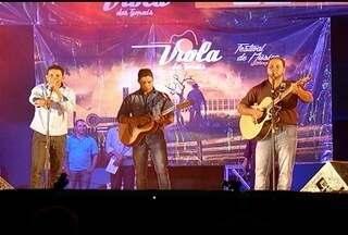 Mais três finalistas do 'Viola dos Gerais' são definidas em Janaúba - Dez canções foram apresentadas nessa quarta-feira (1); próxima etapa será realizada em São Francisco.
