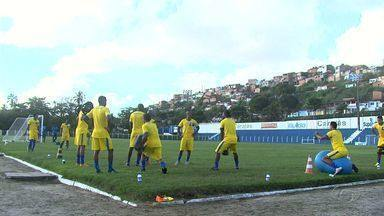 CSA apresenta o jogador Nicácio, novo camisa 9 do time - O repórter Mac Cavalcante mostra as novidades do CSA.