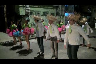 Crianças participam de festa junina em quadrilha mirim - Grupos de Pássaros Juninos mantém tradição centenária.