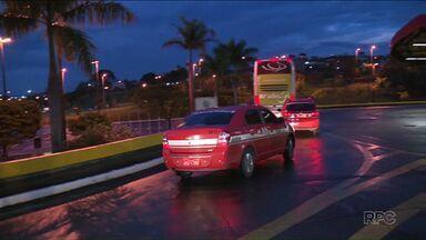 Ponto de táxi na rodoviária podem mudar de local - O teste foi feito neste feriado municipal e visa diminuir o congestionamento nas ruas no entorno da rodoviária.