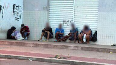 Uso de drogas no Bairro Santa Lúcia em Vitória preocupa moradores, no ES - Com escolas e clínicas próximas, movimento de pessoas é grande na região.Consumo acontece a qualquer hora do dia.