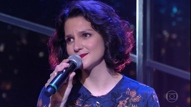 "Rita Gullo canta ""Patrícia"" - Cantora foi entrevistada por Jô Soares ao lado do pai, Ignácio de Loyola Brandão"