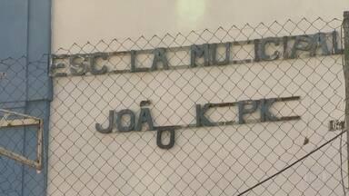 Bandidos fazem arrastão dentro de escola pública, na Piedade - Professora foi agredida porque não achava a chave do carro
