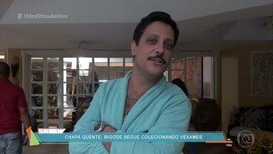 Lucio Mauro Filho reclama do frio na cena em que se joga da janela direto na piscina - Confira os bastidores de gravação de 'Chapa Quente'