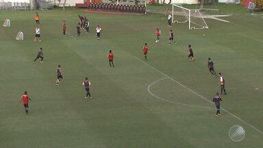 Vitória se prepara para jogar contra o São Paulo na quarta-feira (15) - Time baiano vai ter de enfrentar outro adversário do Morumbi: o frio.