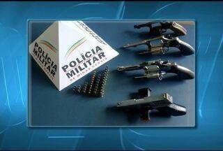 Polícia Militar desarticula quadrilha de assaltantes em Salinas - Grupo se preparava para cometer um assalto em Coronel Murta.