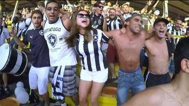 Botafogo faz promoção para jogo contra o América-MG - Primeiros 3 mil torcedores que comprarem ingresso ganham mais um de graça.