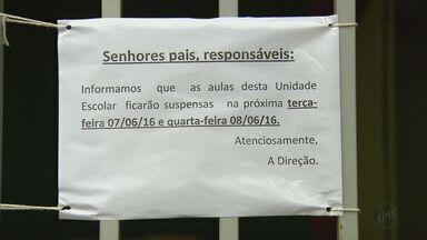 Escola municipal de Rio Claro danificada por temporal continua sem aulas - Previsão era de que os alunos retornariam nesta quarta-feira, mas reforma ainda não foi concluída.
