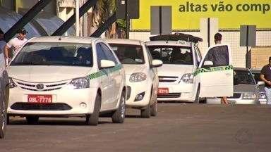 Reportagem tira dúvidas sobre os serviços de táxis em Cuiabá e Várzea Grande - Reportagem tira dúvidas sobre os serviços de táxis em Cuiabá e Várzea Grande