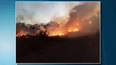 Moradores de Várzea Grande reclamam de queimadas - Moradores de Várzea Grande reclamam de queimadas; cidade está sem brigada de incêndio