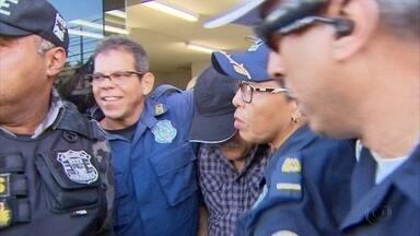 Guarda depõe sobre reação a assalto à Prefeitura de Camaragibe - Colegas fizeram manifestação de apoio ao profissional.
